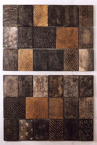 Fotograf: Erik Balle PoulsenVærk  titel: Firenzevæg I Værk  type: Keramik Materiale: Rødler, raku Størrelse: 120x180 cm. Færdiggjort: 1994