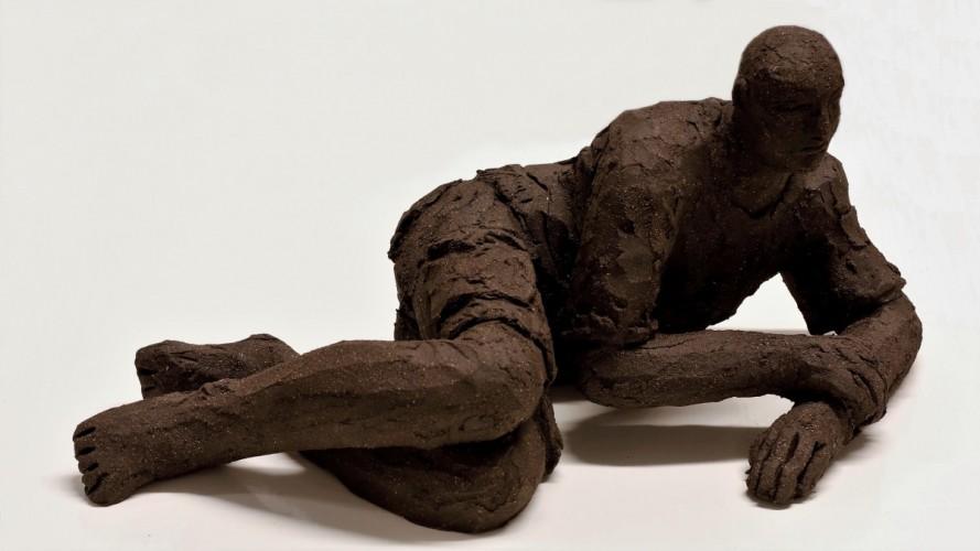 Sculpture made of clay - 18 cm high x 33 cm long