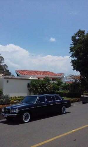 SUNDAY-DRIVE-LIMOSINA-COSTA-RICA.jpg