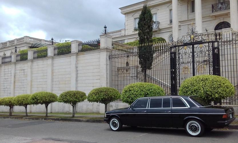 beautiful-mansion-COSTA-RICA-LIMUSINA.jpg